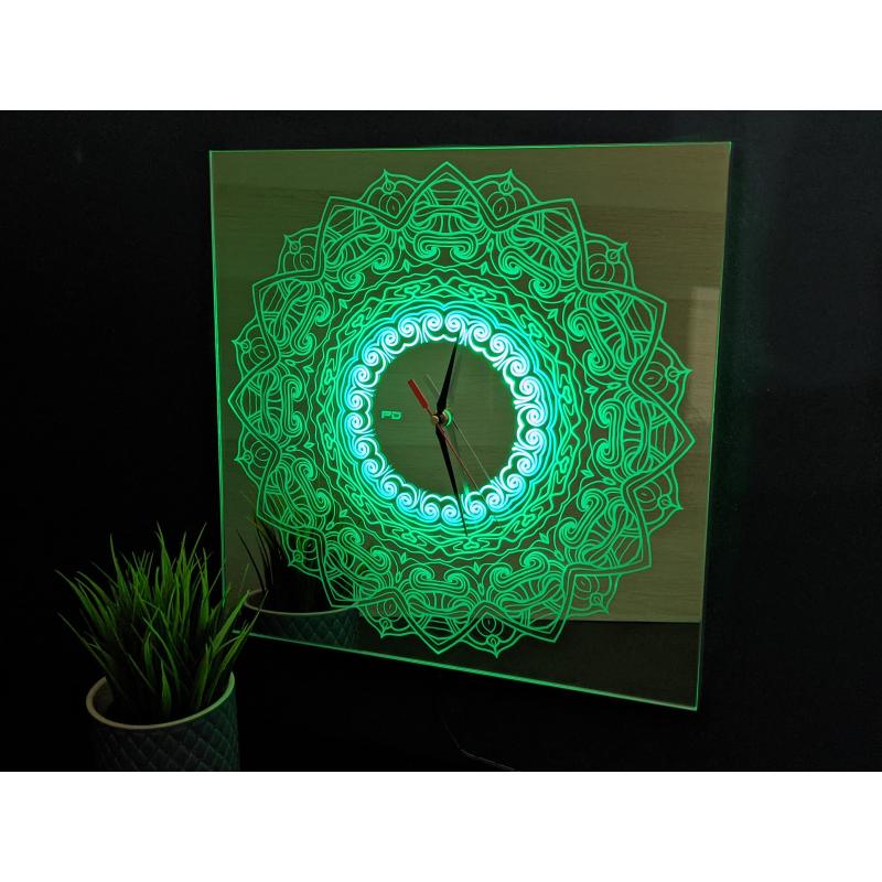 Mirror Clock C4-2020 (Met je eigen logo)