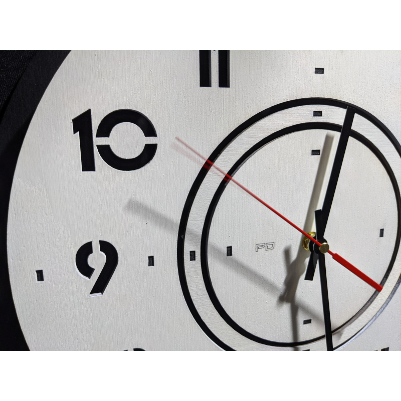 Wood Clock 25-2020 Black/White