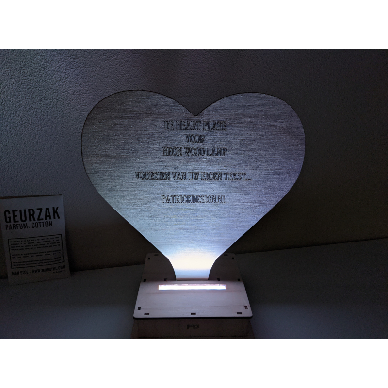Neon Wood Lamp 41_2021 plate heart (with...